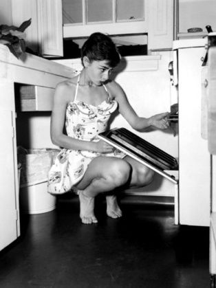 How to be a Domestic Goddess - Level up your Goddess skills in 12 easy steps...