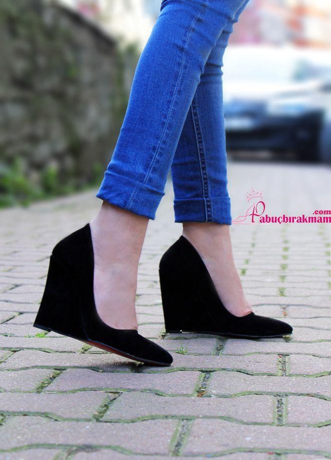 Platform. Bot. Dolgu Topuk - Leny Siyah Süet Dolgu Topuk Ayakkabı - Pabucbirakmam.com : Topuklu Ayakkabı. Babet. Stiletto. Dolgu Topuk Ayakkabı. Kapıda Ödeme Ayakkabı Online Satış Sitesi
