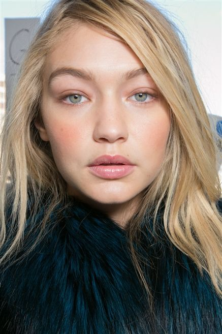 Soft blush at MICHAEL KORS AW2015 Makeup Beauty FACES Runway www.faces.ch/runway