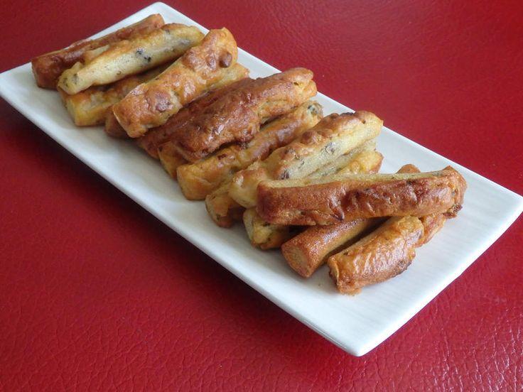 Fingers apéritif roquefort, poires et noix