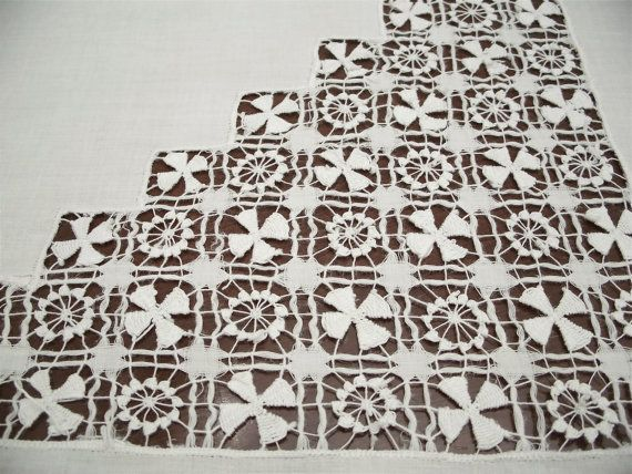 Vintage Elaborate Drawnwork White Tenerife Lace - that definitely took some major work - what a beautiful piece!