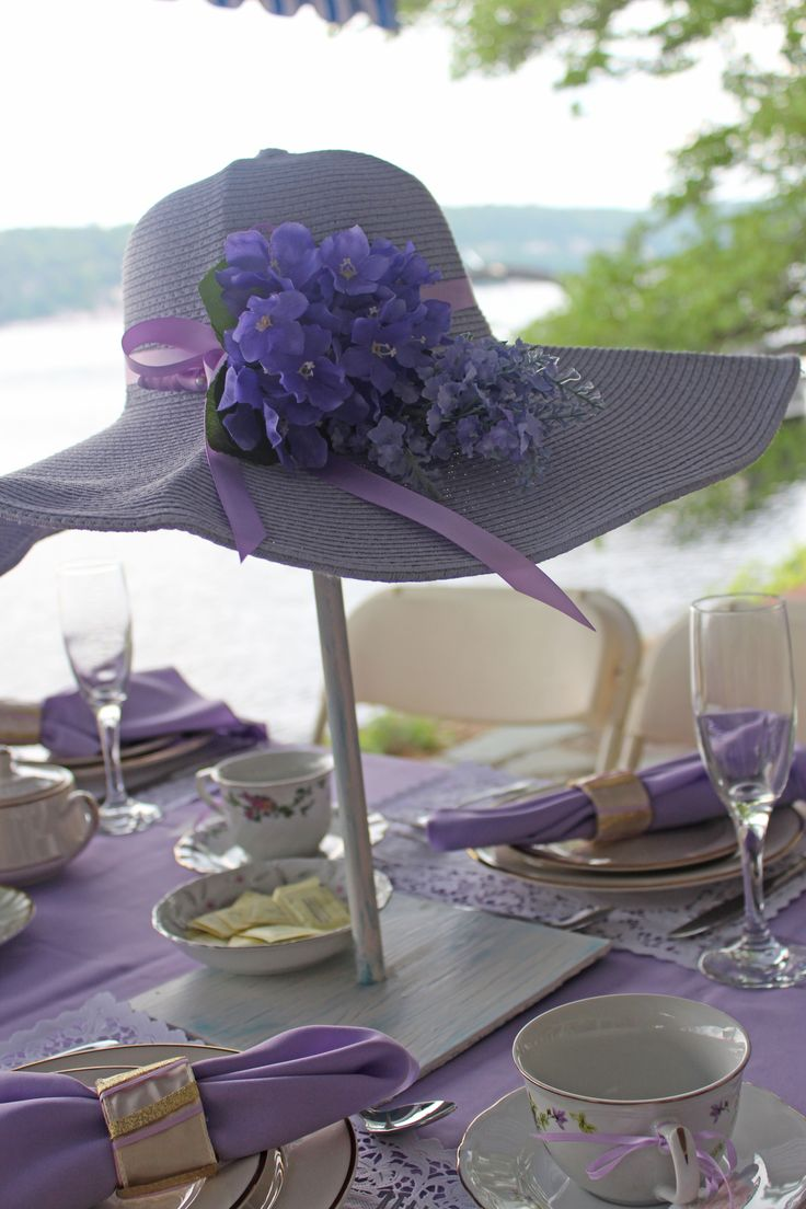 Lavender foldable sun hat with removable satin ribbon