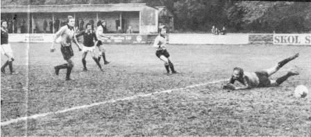 Maidstone v Chesham 1979 Martell beats Dickie Guy in the Maidstone \goal