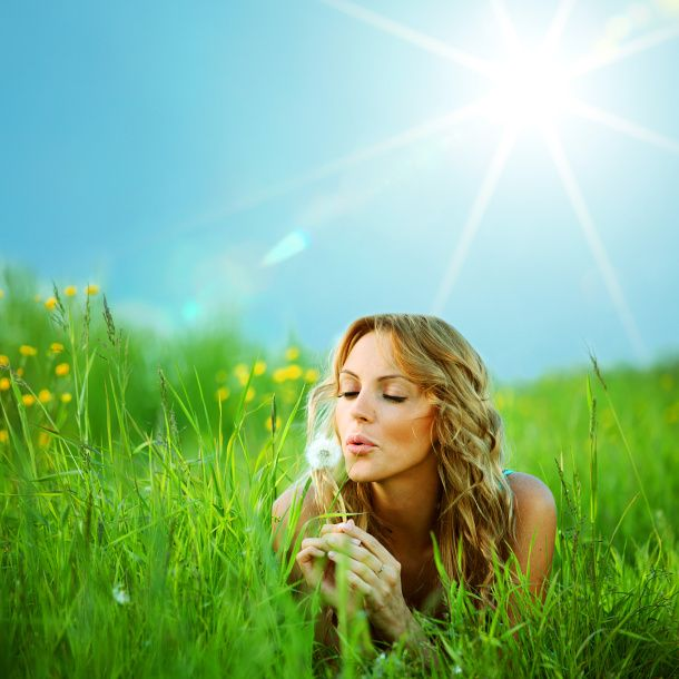 Domowe sposoby na tłuste włosy. Więcej: http://www.kobieta.info.pl/pielgnacja-wosow/1142-domowe-sposoby-na-tuste-wosy