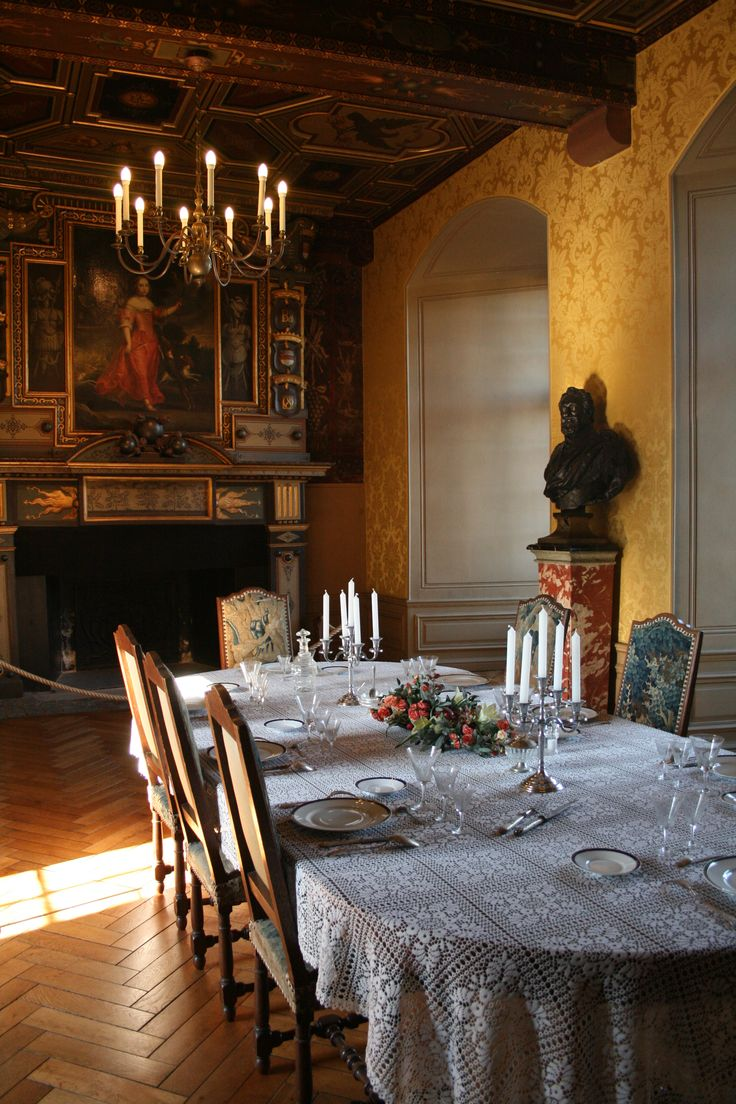 398 best interiors magnificent table settings images on for Chateau d ax table de salle a manger