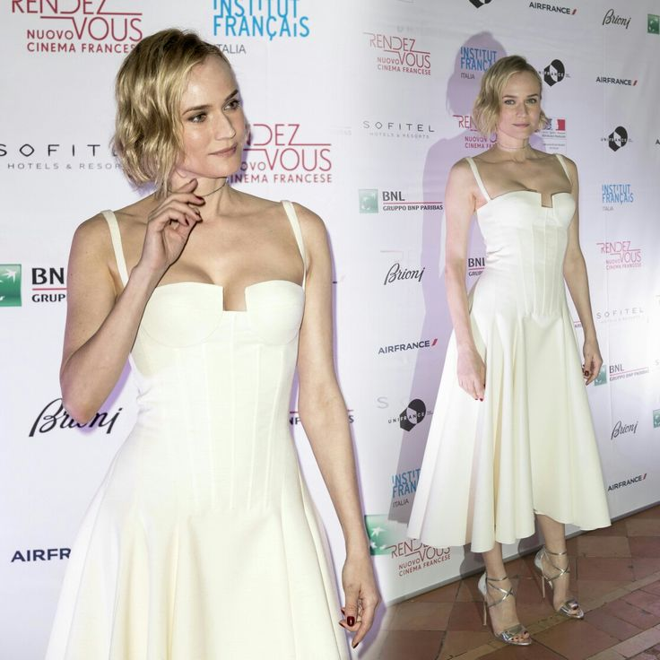 #DianeKruger in white at the opening ceremony of the #FrenchFilmFestival! • • • • • #DianeKruger de branco na cerimônia de abertura do #FrenchFilmFestival!