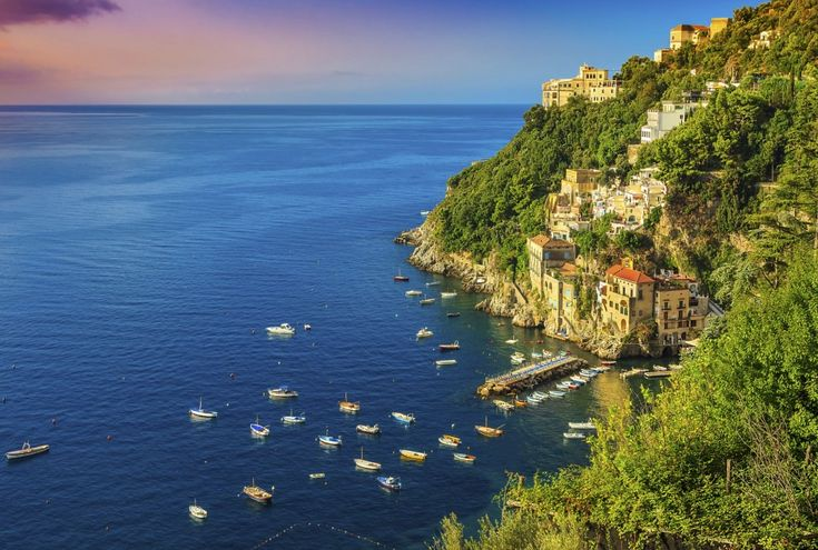 Amalfi kysten, Italia .Beautiful bay and famous resort near Amalfi,Conca dei Marini,Italy,Europe