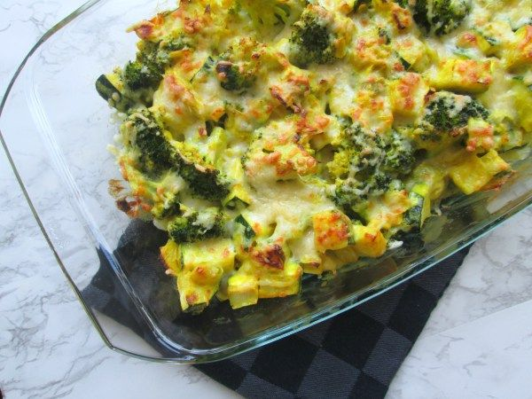 Koolhydraatarme ovenschotel - Broccoli ovenschotel met walnoten en mozarella. Lowcarb oven dish with broccoli