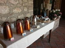 Breakfast Cascina Crocelle Padenghe sul Garda The property has a number of spacios #apartments and an outdoor heated #pool. www.cascinacrocelle.it