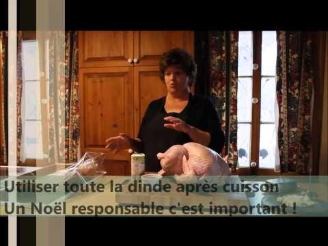 Diane Saint-Vincent vous donne quelques conseils pour bien cuisiner votre dinde de Noel biologique! Son secret pour une dinde juteuse? Beurre, épices à volaille et sac à cuisson!