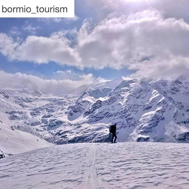 #Repost @bormio_tourism with @repostapp. ・・・ In cima al mondo, tutto è perfetto!  #valtellina #sondrio #bormio #livigno #valmalenco #madesimo #europe #alpi #lombardia #italia #landscape #natura #montagna #travel #viaggiare #nature #photooftheday #mountain #inlombardia365 *** At the top of the world, everything is perfect!  Ph. @sosiovalentino