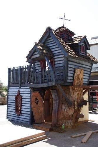 Playhouse Love This Looks Like The Wacky Shack From