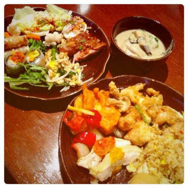 あぁ〜明らかに食べ過ぎ 夜は控え目にしよう…。 - 90件のもぐもぐ - タイ料理ビュッフェ@淀屋橋 by Fumi