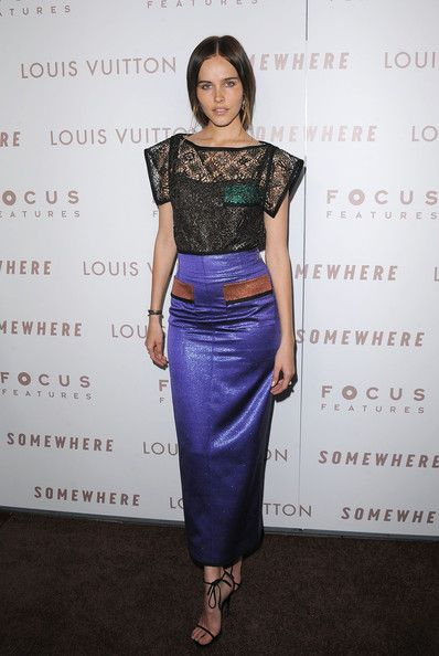 Isabel Lucas Evening Dress - Isabel was a stand out on the red carpet in this contrasting dress. The lace top and lilac skirt made for a unique design.
