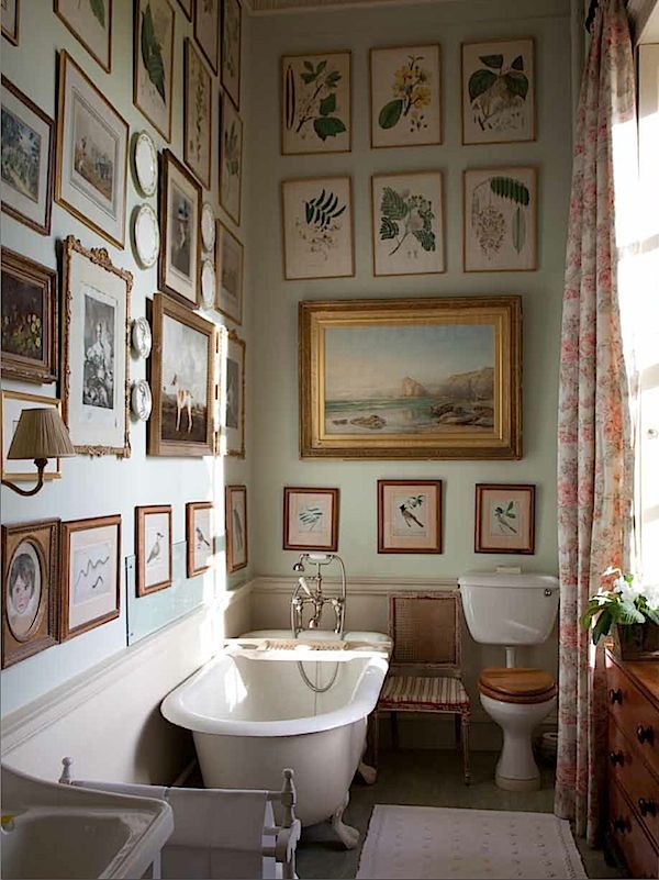 Bath at Milton from The English Country House via Quintessence    @thedailybasics ♥♥♥