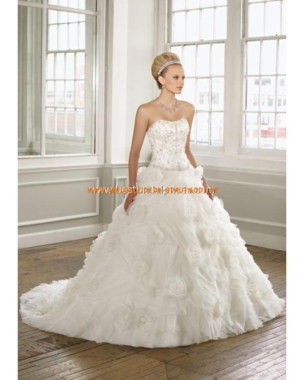 241 best Brautkleider hamburg images on Pinterest   Wedding frocks ...
