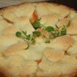 Deser z tymiankiem - tarta serowa z brzoskwiniami