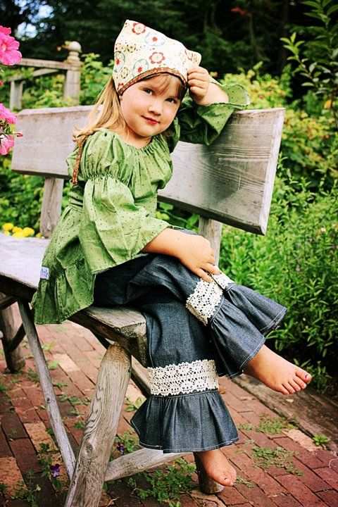 Jennas Lace Ruffle Pants and Capris PDF Pattern  (Pattern only goes to  a sz 8 but I like the look)