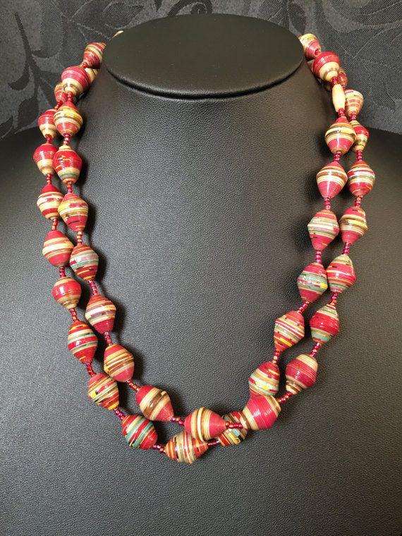 Handmade paper necklace by HeriByRaquelle on Etsy