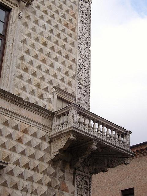 Ferrara: Ferrara - Palazzo dei diamanti by cercamon, via Flickr >> Scopri le Offerte!