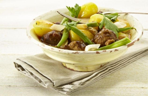Aardappelen met varkenswangetjes gestoofd in geuze