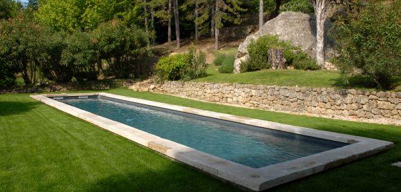 Les 25 meilleures id es de la cat gorie margelle de - Piscine style bassin pierre argenteuil ...