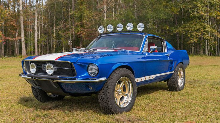 THIS 1967 FORD MUSTANG IS A RALLY FIGHTER FOR HOT-RODDERS
