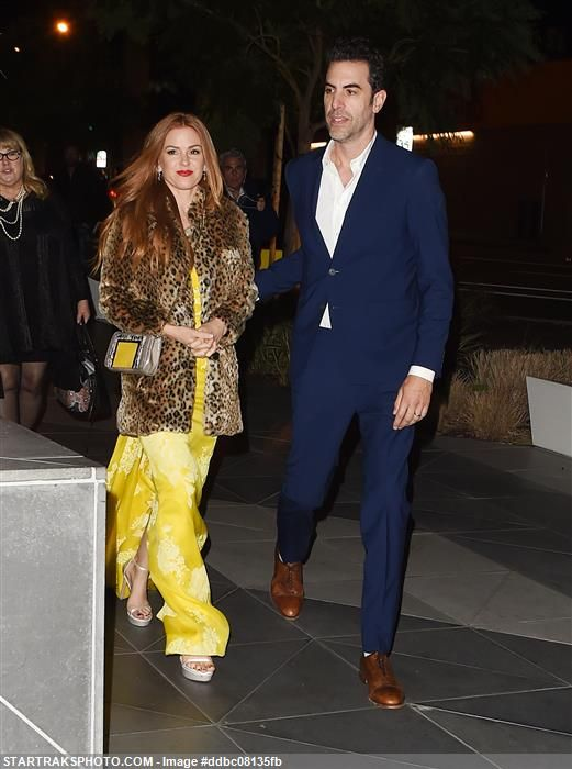 Sacha Baron Cohen & wife Isla Fisher (wearing a Monique Lhuillier dress) at the AACTA International Awards in #LA. #celebcouples #redcarpetstyle #awards #love