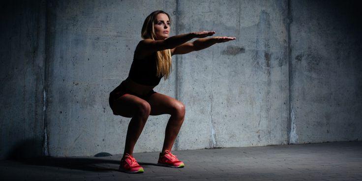 Различные варианты приседаний являются любимыми упражнениями спортсменов по одной очень важной причине: они действительно работают! Но как и почему? Давайте разбираться.