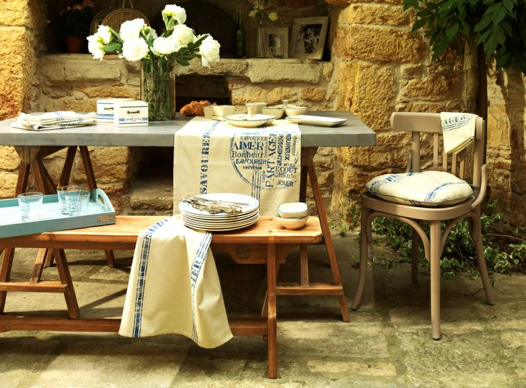 Linge de maison table d 39 h tes - Table comptoir de famille ...