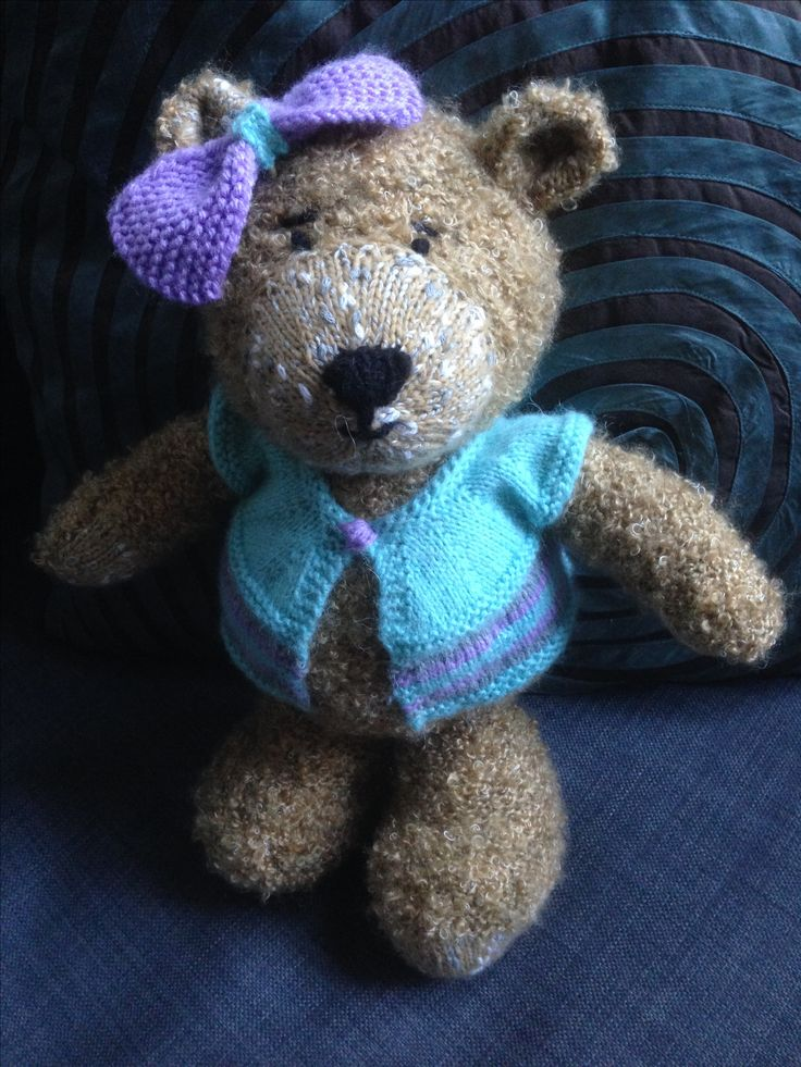 My favourite bear to knit.  Pattern by knittingbypost.com