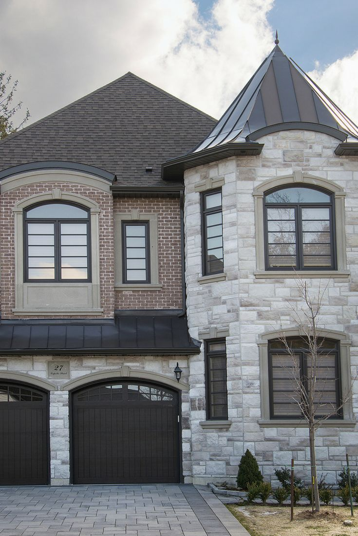 Our Richmond Hill project built with @rinoxinc Lugano stone and brick from Brickcraft. #Allstone