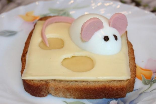 Бутерброд «Мышь на сыре»