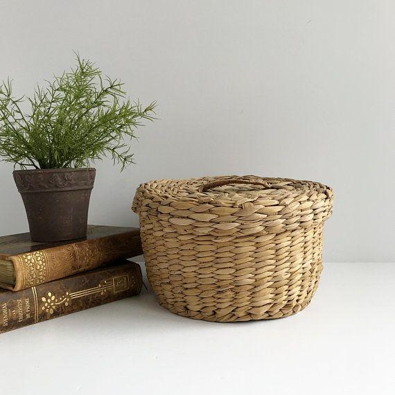 Vintage Round Woven Basket With Lid Lidded Basket Basket With Lid And Handle Storage Basket Wicker Basket With Lid Shelf Baskets Storage Natural Baskets