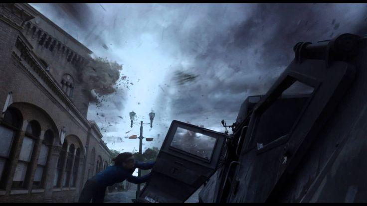 EN EL TORNADO - Tráiler 1 Oficial Subtitulado HD - Oficial de Warner Bros Pictures Latinoamerica En el lapso de un solo día, la ciudad de Silverton es arrasada por una avalancha sin precedentes de los tornados. Toda la ciudad está a merced de los ciclones erráticos y mortales, como rastreadores de tormentas predicen que lo peor está por venir.