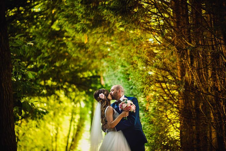 A stunning Clearwell Castle wedding, A beautiful day with beautiful people photographed by Dan Morris Photography in 2016
