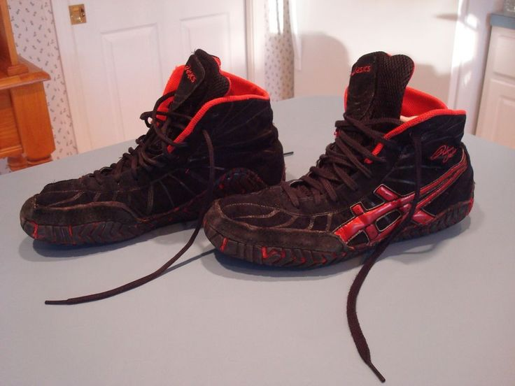 ASICS RED AND BLACK RULON WRESTLING SHOES SIZE 11 1/2 RARE ITEM
