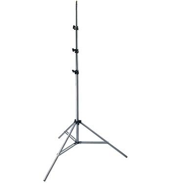 Dörr Belysningsstativ L-3050/S  Höjd mellan 83 och 285 cm, vikt 1,2 kilo. Tredelat och luftdämpat.  Har både tapp för studiobelysning och 1/4''-standardstativgänga i toppen.