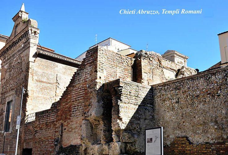 Complesso archeologico dei templi romani