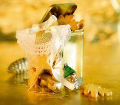 Orangen-Mailänderli: Mailänderli sind noch immer ein beliebter Klassiker unter den Weihnachtsguetzli. Mit Orangen-Aroma bekommen sie eine neue Note. http://www.wildeisen.ch/rezepte/orangen-mailaenderli