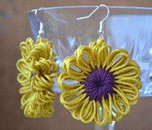 Orecchini a forma di fiore realizzati in cotone con il Flower loom - iltelaietto.it