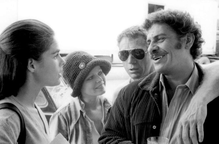 Ali MacGraw, Sally Struthers, Steve McQueen and Al Lettieri on the set of The Getaway directed by Sam Peckinpah, 1972