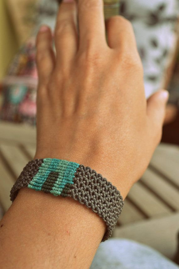 Macrame surfer's bracelet unisex in brown mint green by Bohochoco