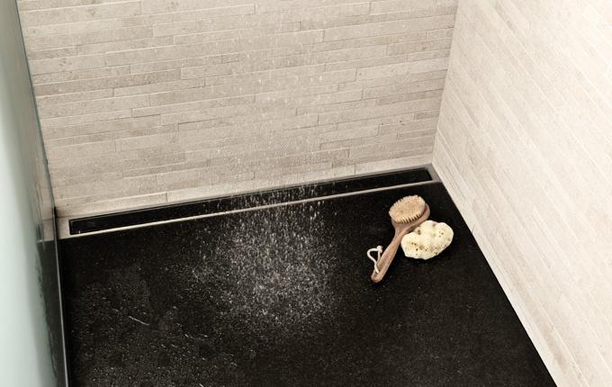 Badeværelse med unidrain® HighLine linieafløb
