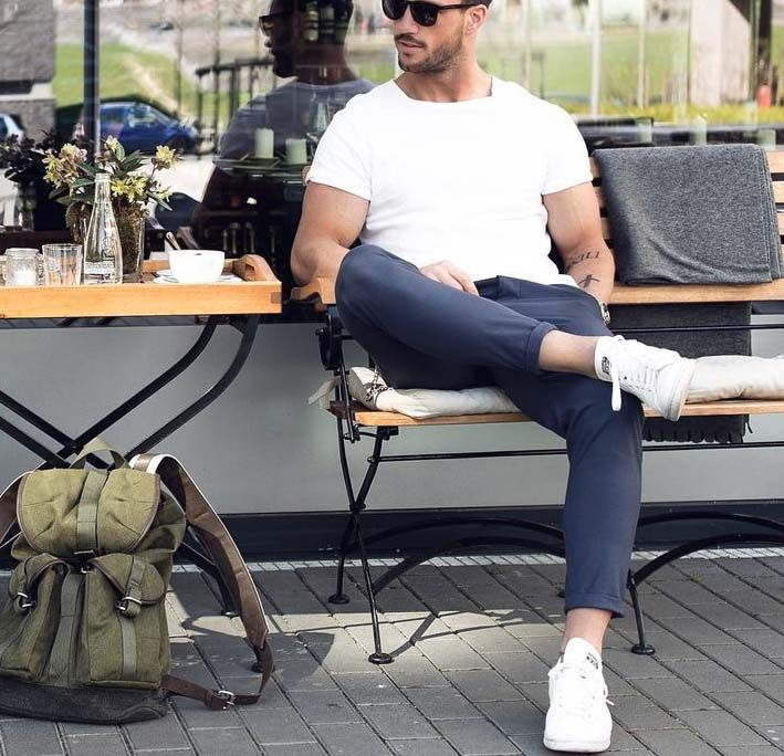 stylish urban men // urban life // city living // mens fashion // mens wear // sunglasses // watches // mens bag // men // city boys //