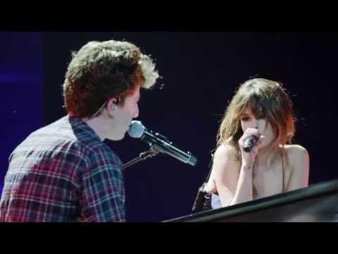 Video ufficiale dell'esibizione in live di Charlie Puth e Selena Gomez con il singolo We Don't Talk Anymore. E' la prima volta che i due cantano il brano.