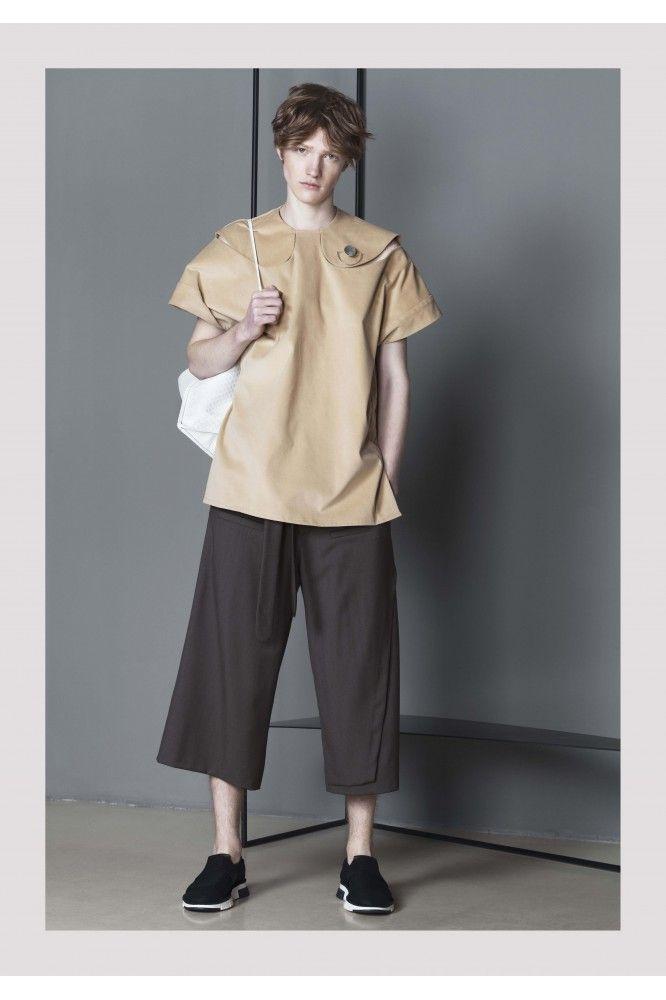 Olive Three Quarter Trousers #style, #fashion, #minimalistlook