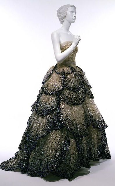 1940's Dior Haute Couture Classic Elegance I ♥ the Petals on the Dress