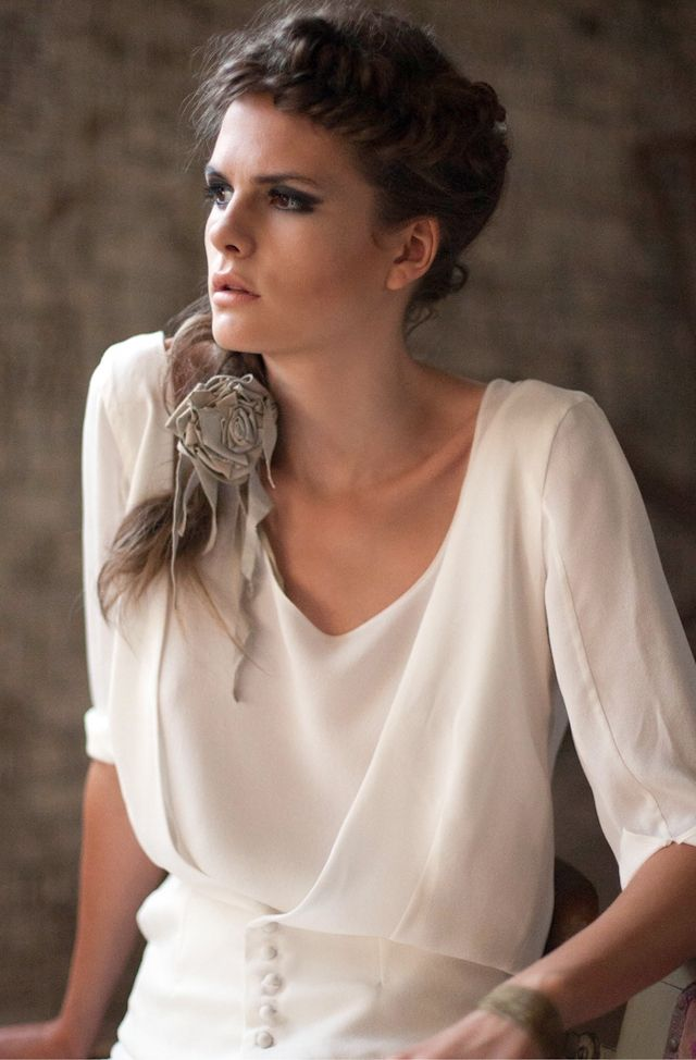17 meilleures images propos de gilet robe mari e sur pinterest robe de mariage en dentelle. Black Bedroom Furniture Sets. Home Design Ideas
