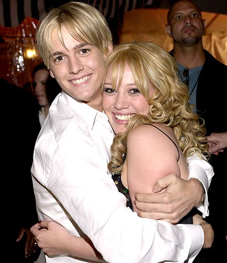 Aaron Carter Watches His Lizzie McGuire Episode Featuring Ex Hilary Duff: Picture  Read more: http://www.usmagazine.com/celebrity-news/news/aaron-carter-watches-lizzie-mcguire-ex-hilary-duff-2014412#ixzz3LHM1v65J  Follow us: @usweekly on Twitter   usweekly on Facebook